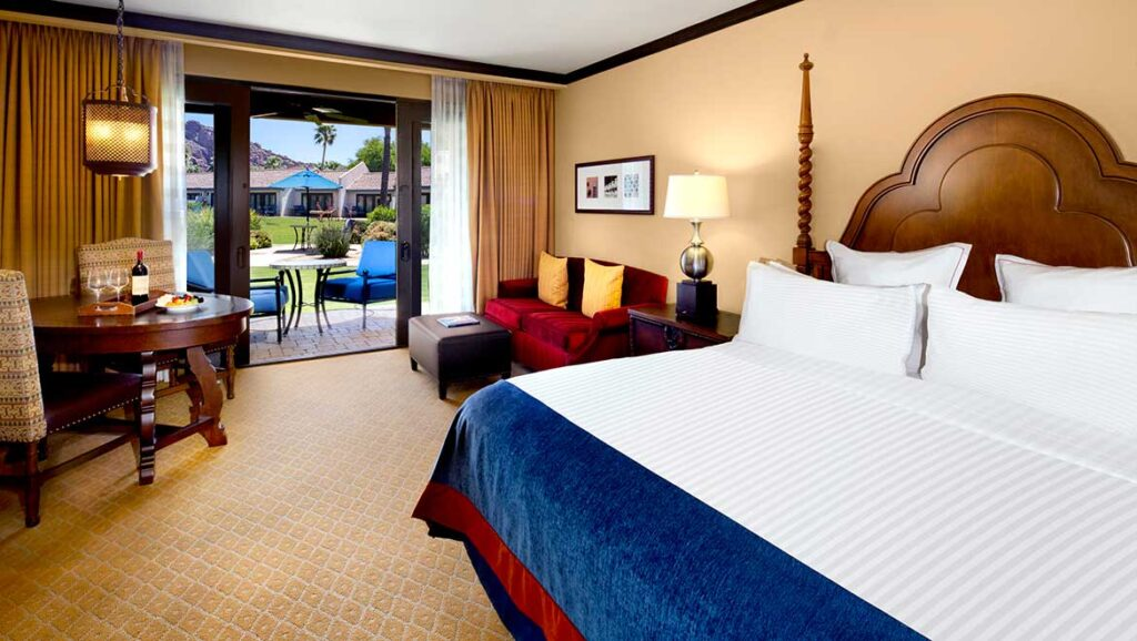 phxrst-omni-scottsdale-resort-montelucia-camelback-mountain-view-guest-room